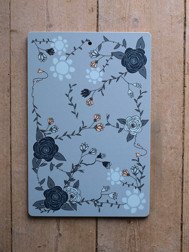 blue-roses-cutting-board